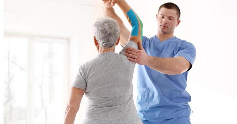 Vật lý trị liệu có tác dụng giảm đau, phục hồi vận động cho người bệnh
