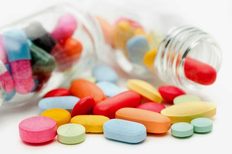 Sử dụng thuốc Tây y điều trị bệnh luôn là ưu tiên hàng đầu để bảo tồn xoang