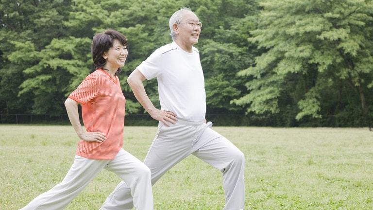 Kết hợp phác đồ điều trị với bài tập để hỗ trợ điều trị bệnh thoái hóa khớp gối hiệu quả