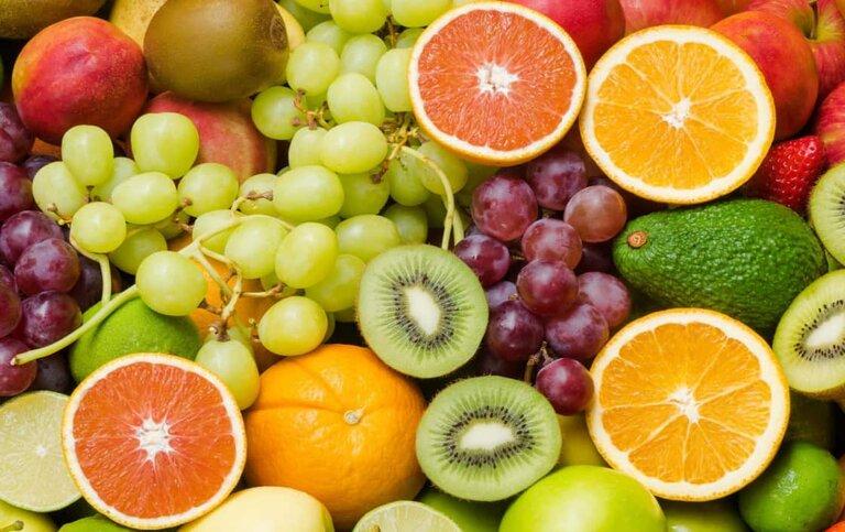 Nên chú ý ăn nhiều rau xanh và trái cây để tăng sức đề kháng