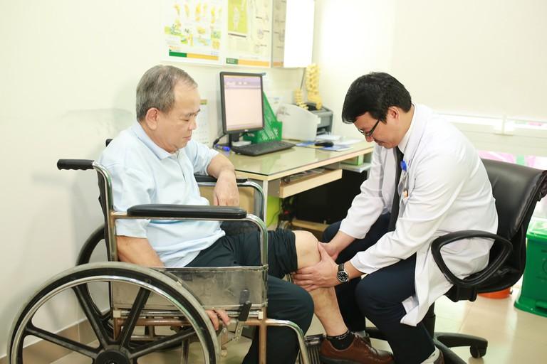 Qua thăm khám bác sĩ sẽ chỉ ra nguyên nhân, tình trạng từ đó có hướng điều trị phù hợp