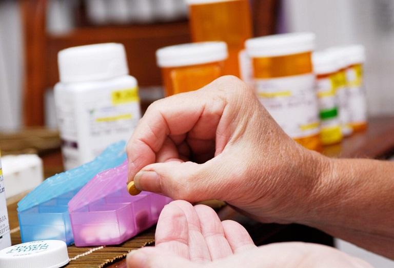 Bị thoái hóa khớp gối uống thuốc nào hiệu quả?