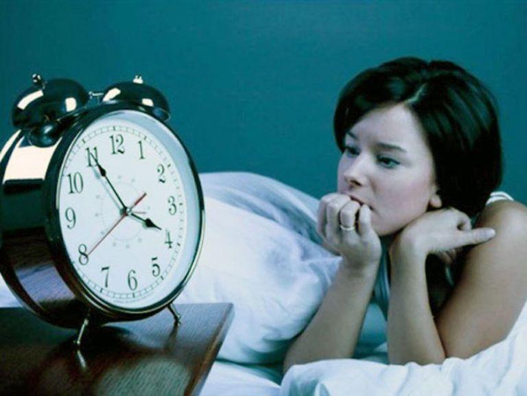 Mất ngủ là triệu chứng thường gặp của viêm đa xoang