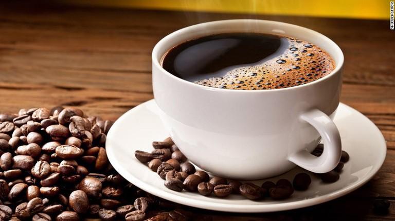 Cà phê có lượng cafein cao, không tốt cho người bệnh xương khớp