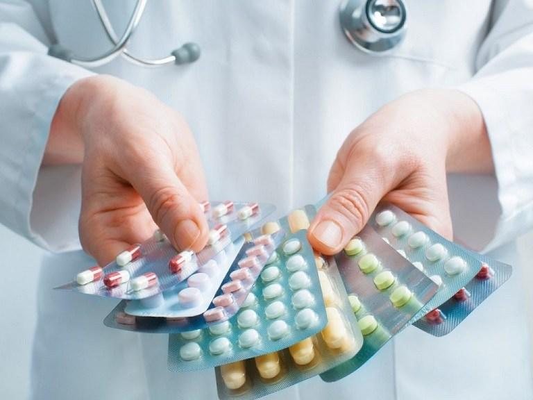 Sử dụng thuốc Tây là cách chữa bệnh phổ biến