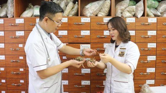 Bác sĩ Ngô Thị Hằng có chuyên môn tốt và kinh nghiệm nhiều năm trong nghề