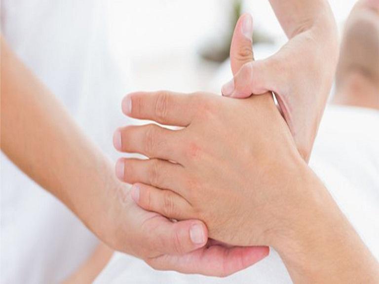 Bệnh viêm đa khớp gây nhiều đau đớn, khó chịu cho bệnh nhân