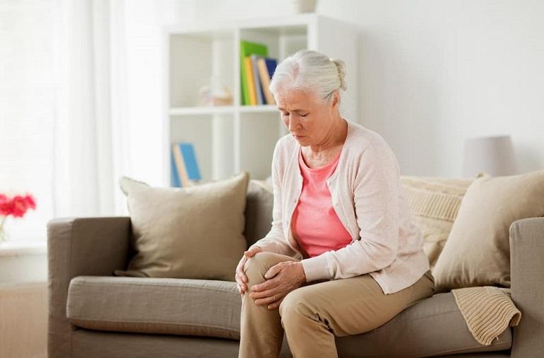 Nguyên nhân gây viêm khớp gối chủ yếu là do tuổi già