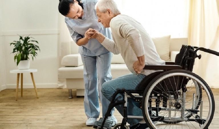 Viêm khớp háng có thể khiến bệnh nhân mất khả năng vận động