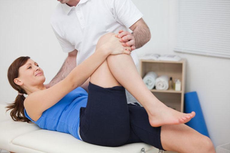 Vật lý trị liệu có tác dụng giảm đau, co giãn cơ và phục hồi vận động cho người bệnh