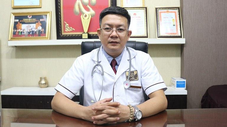 Bác sĩ, lương y Đỗ Minh Tuấn là vị thầy thuốc y học cổ truyền giỏi và có tâm