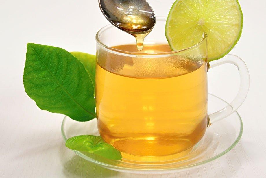 Một ly trà xanh mật ong có thể thêm vào giọt nước cốt chanh sẽ rất tốt cho sức khỏe