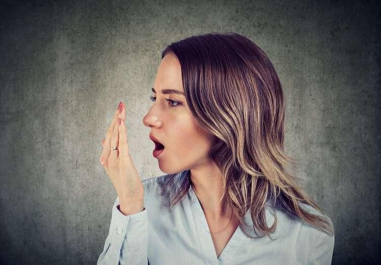 Bệnh hôi miệng gây ảnh hưởng rất lớn đến mối quan hệ cũng như sự tự tin của người bệnh