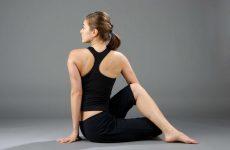 Tư thế vặn cột sống giúp tăng cường sự linh hoạt cho cột sống