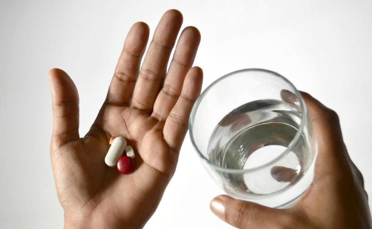 Thuốc tân dược chỉ có tác dụng tạm thời không dứt điểm bệnh