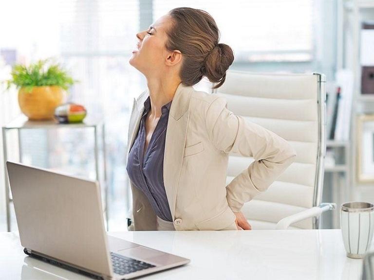 Viêm khớp nhiễm khuẩn gây đau nhức khó chịu, nhất là khi cử động