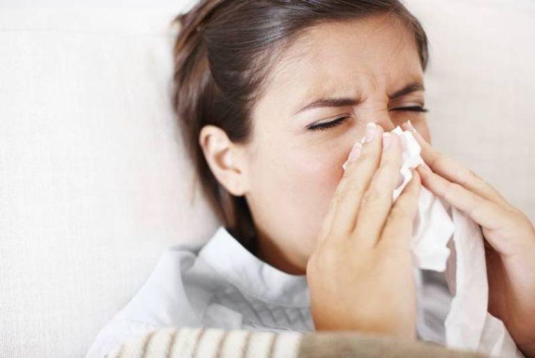 Viêm mũi xoang xuất tiết gây nhiều khó chịu cho người bệnh