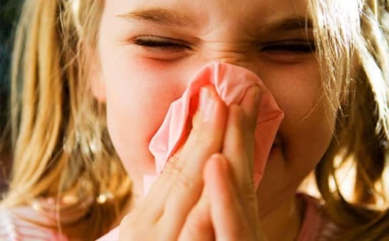 Viêm mũi họng xuất tiết ở trẻ em là bệnh lý khá phổ biến. đặc biệt là vào thời điểm giao mùa