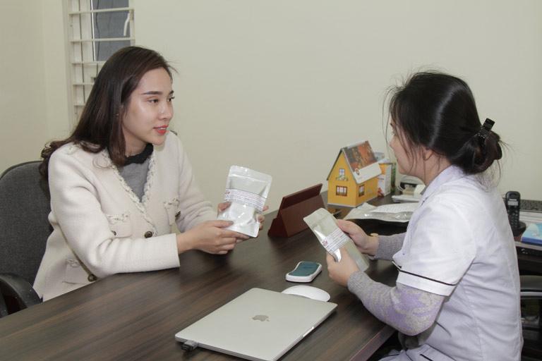 BS Hằng tư vấn chị Nhật về bài thuốc Phụ Khang Đỗ Minh