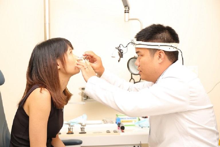 Trường hợp bạn điều trị viêm mũi họng xuất tiết bằng phương pháp ngoại khoa thì cần đến cơ sở y tế chuyên khoa, uy tín