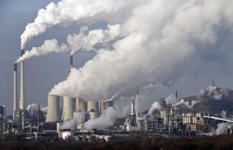 Việc bạn thường xuyên hít phải khói bụi của các khu công nghiệp ảnh hưởng rất lớn đến sức khỏe