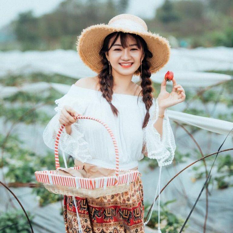 Hot mom Hương moon được nhiều người biết đến trên mạng xã hội
