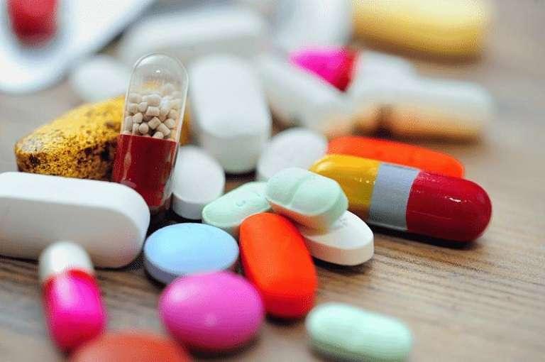 Điều trị mẩn ngứa cho trẻ vào mùa hè bằng thuốc Tây y