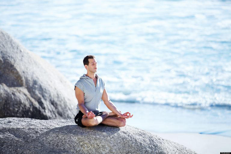 Yoga giúp nam giới thư giãn, hỗ trợ điều trị di tinh
